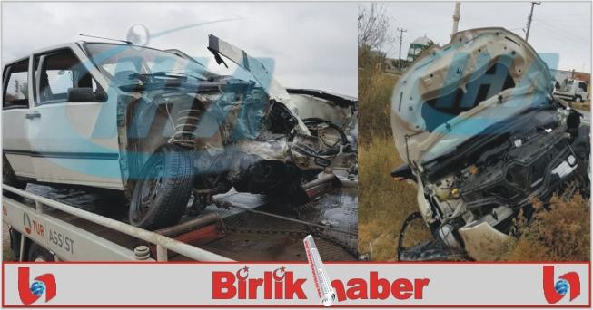 2 Otomobil Çarpıştı: 8 Yaralı