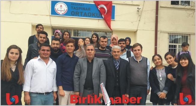 ASÜ'lü Öğrenciler Taşpınar Ortaokulu'na Kütüphane Kurdu