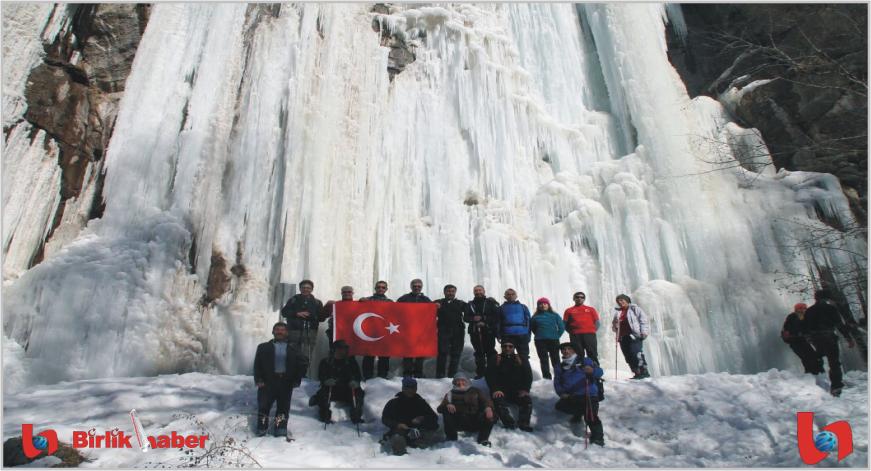 Donmuş Şelalede Nefes Kesen Tırmanış