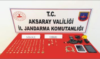Eskil'de Tarihi eser kaçakçıları yakalandı