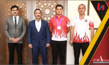 Vali Ali Mantı'dan Başarılı Sporcumuza Ödül